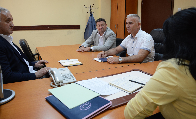 Upravljački tim sa jednog od ranijeg sastanka sa kosovskim ministrom administracije lokalne samouprave