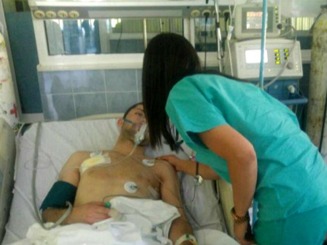 ranjeni Nikola Dejanović na urgentnom odeljenju u Kosovskoj Mitrovici
