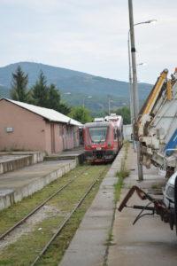 voz ispao iz šina KoSSev