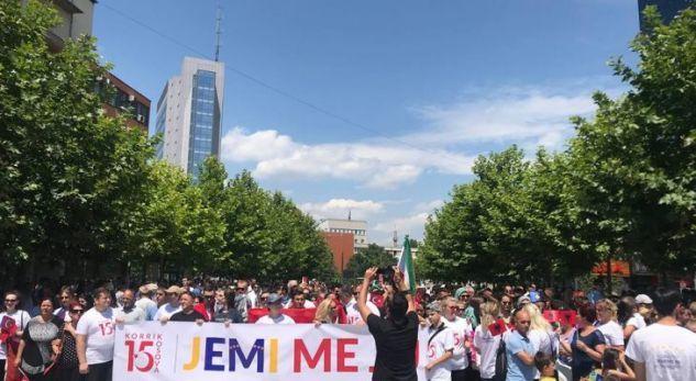 Marš u Prištini na godišnjicu neuspelog puča