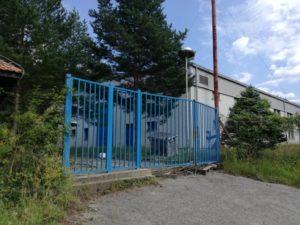 Jedna od zatvorenih fabrika u Brnjaku