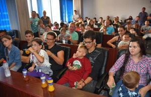 Porodice koje dobijaju pomoć, Foto: Opština Gračanica)