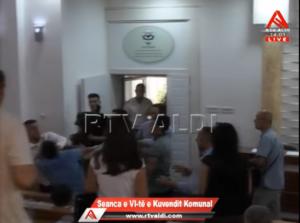 Tuča u Skupštini opštine Preševo