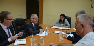 Upravljački tim i šef misije OEBS Jan Bratu