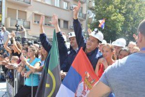 Radnici Trepče tokom govora Aleksandra Vučića, FOTO: KoSSev