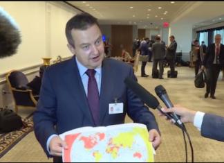 Ivica Dačić sa mapom