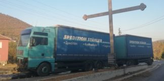 Rudare kamion udartio u krts