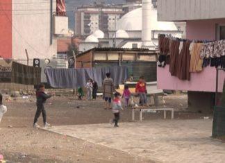 Južna Mitrovca Romi, naselje