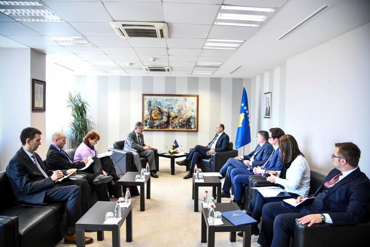 Enver Hodžaj na sastanku sa delegacijom EUROSTAT-a