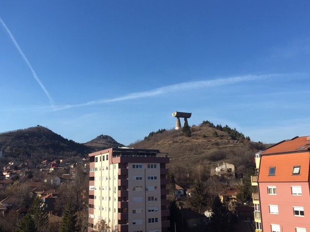 Kosovska Mitrovica spomenik rudarima - zima