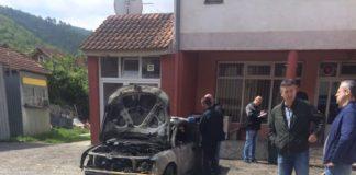 Zapaljen auto u Zubinom Potoku