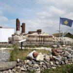 Kosovska zastava na crkvi Sv. Nikole