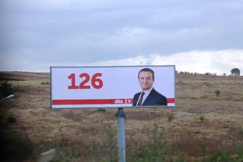 Aljbin Kurti, Izbori, bilbord