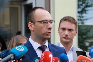 Kolektivno glasanje - kolona predvođena čelnicima Srpske liste