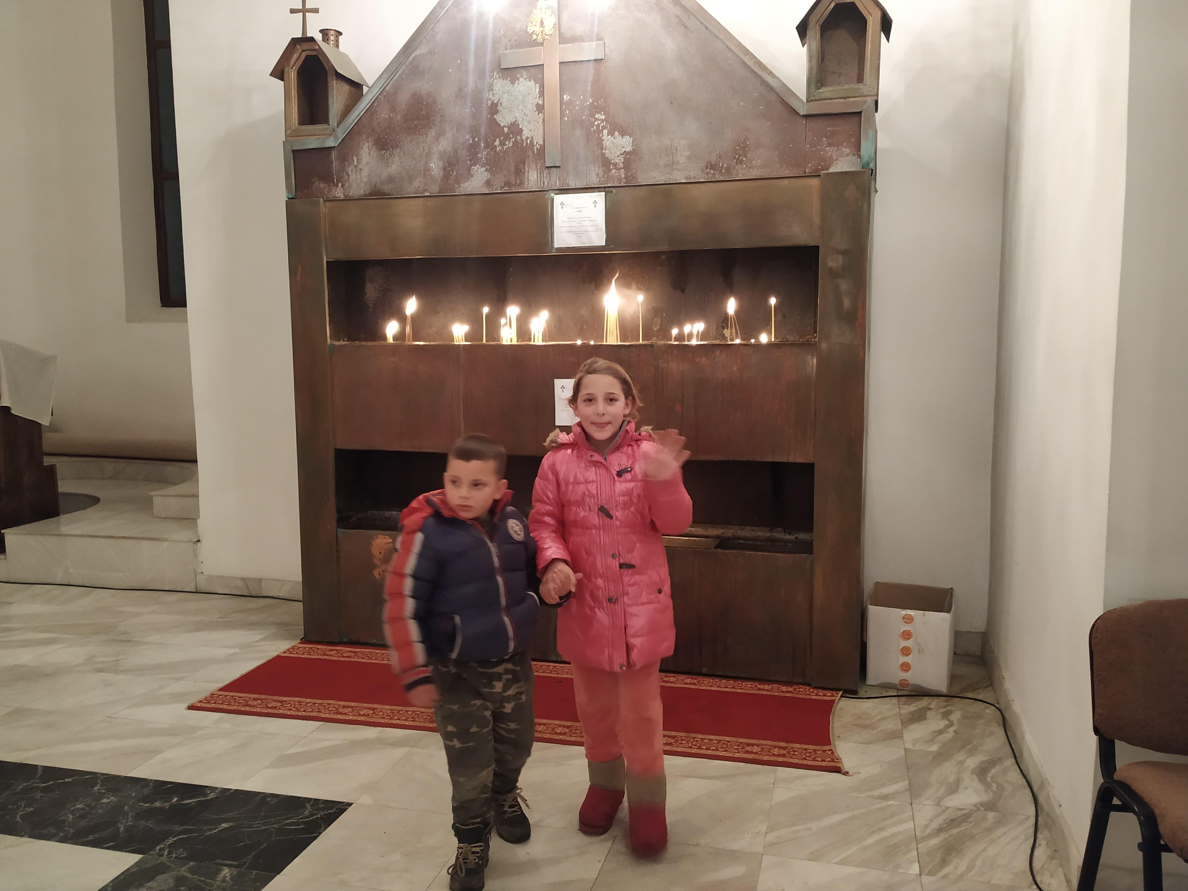 Deca u crkvi u Partešu