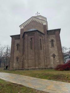 Hram Svetog Save u južnom delu Mitrovice