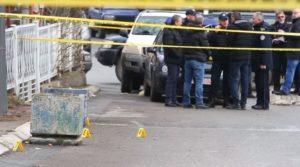 Policijski uviđaj nakon ubistva Olivera Ivanovića u Kosovskoj Mitrovici