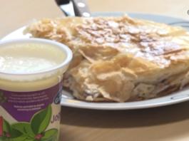 Burek i jogurt