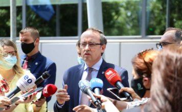 FOTO: Avdulah Hoti/ Sajt kosovskog premijera