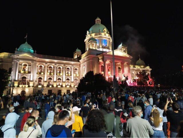 Protest ispred Narodne Skupštine