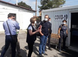 """Medicinski ekspertski tim iz Instituta """"Robert Koh"""" u poseti kovid bolnici u Lapljem Selu"""