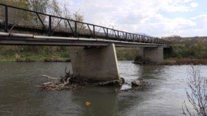 Oštećeni most u Leposaviću