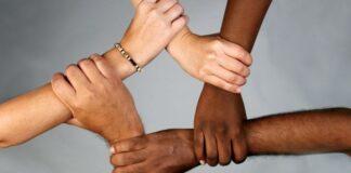 ljudi različitost ruke borba protiv rasizma