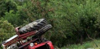 Traktor okrenuo se pao